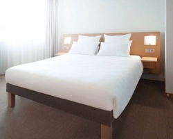Novatel-bedroom