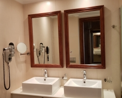 Bathroom Adult only Palazetto hotel - solo travel