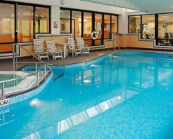 Single & solo guests Swimming-pool