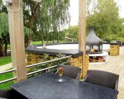 Single & solo guest Terrace