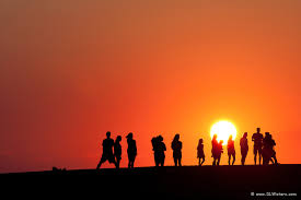 Singles group sunset